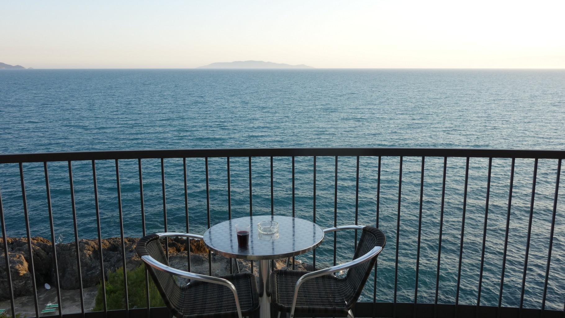 In Talamone gibt es ein Hotel mit diesem Ausblick aus jedem Zimmer.