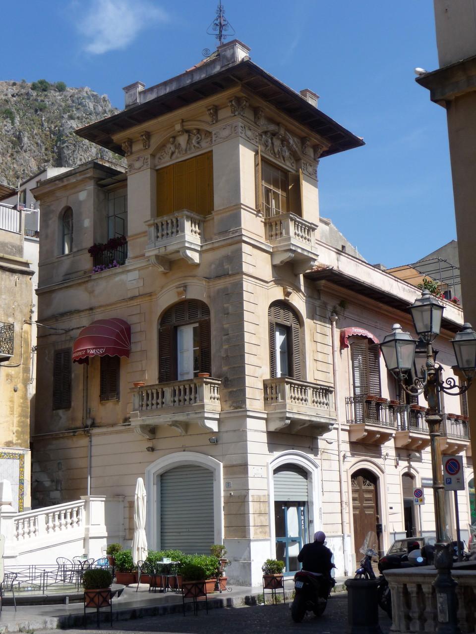 Historisches Geäude in Cefalù.