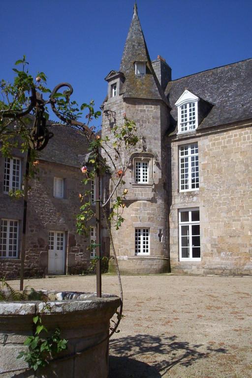 Château du Colombier (Hénon). W. Français