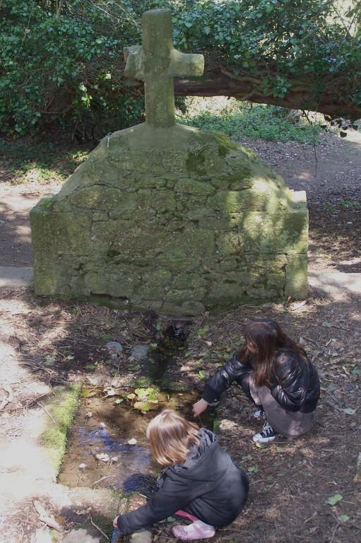 Fontaine Notre Dame du Haut (Trédaniel).J-E Gaudin CDC Pays de Moncontour