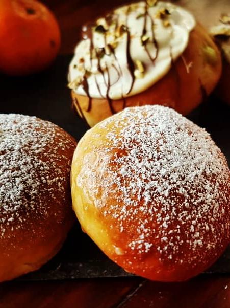 selbstgemachte Ofenpfannkuchen oder auch Berliner mit Marmelade