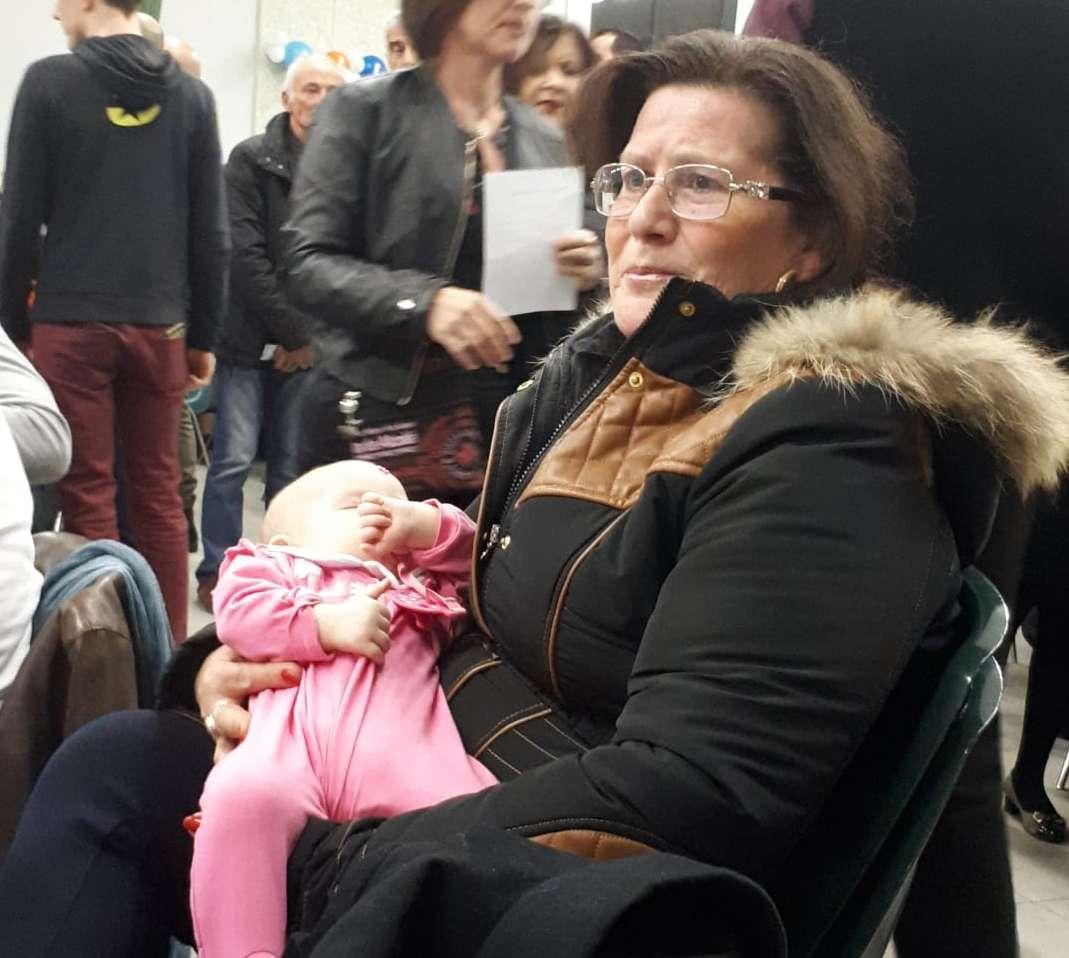 Villareggia festa del brut 2019 - Gina fa la nonna con la piccola Chiara