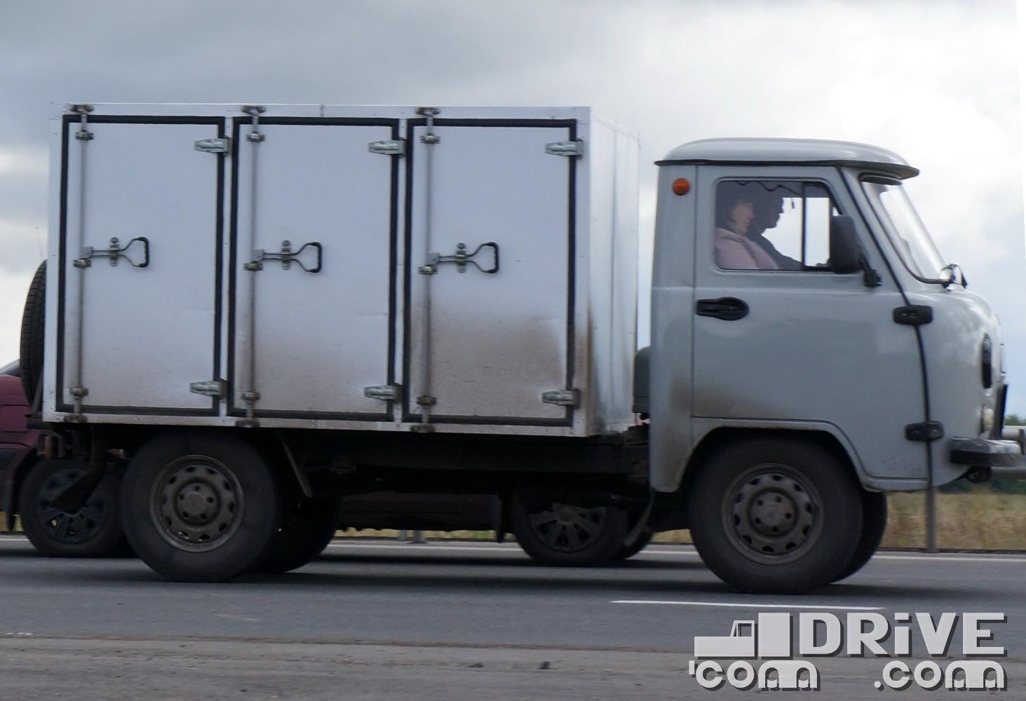 """Хлебовозка на шасси """"головастика"""" УАЗ 33036"""