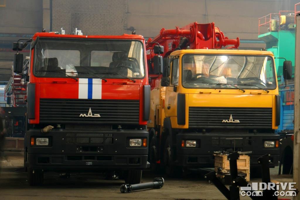4-осные шасси МАЗ-651669 под автолестницу АЛ-52 и бетононасос МАЗ-693269