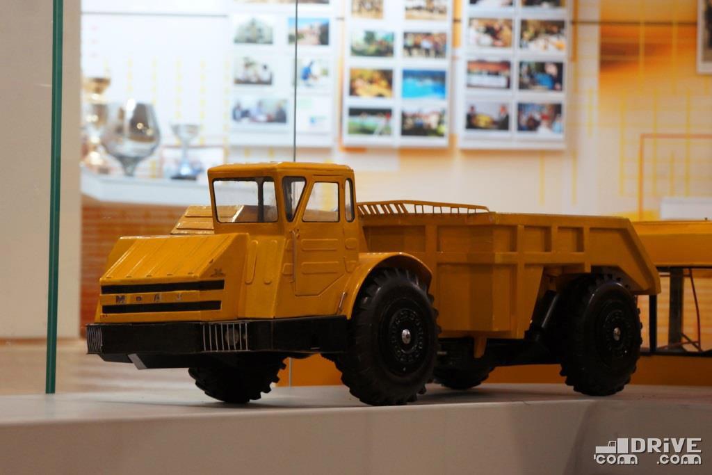 Макет МоАЗ-6401