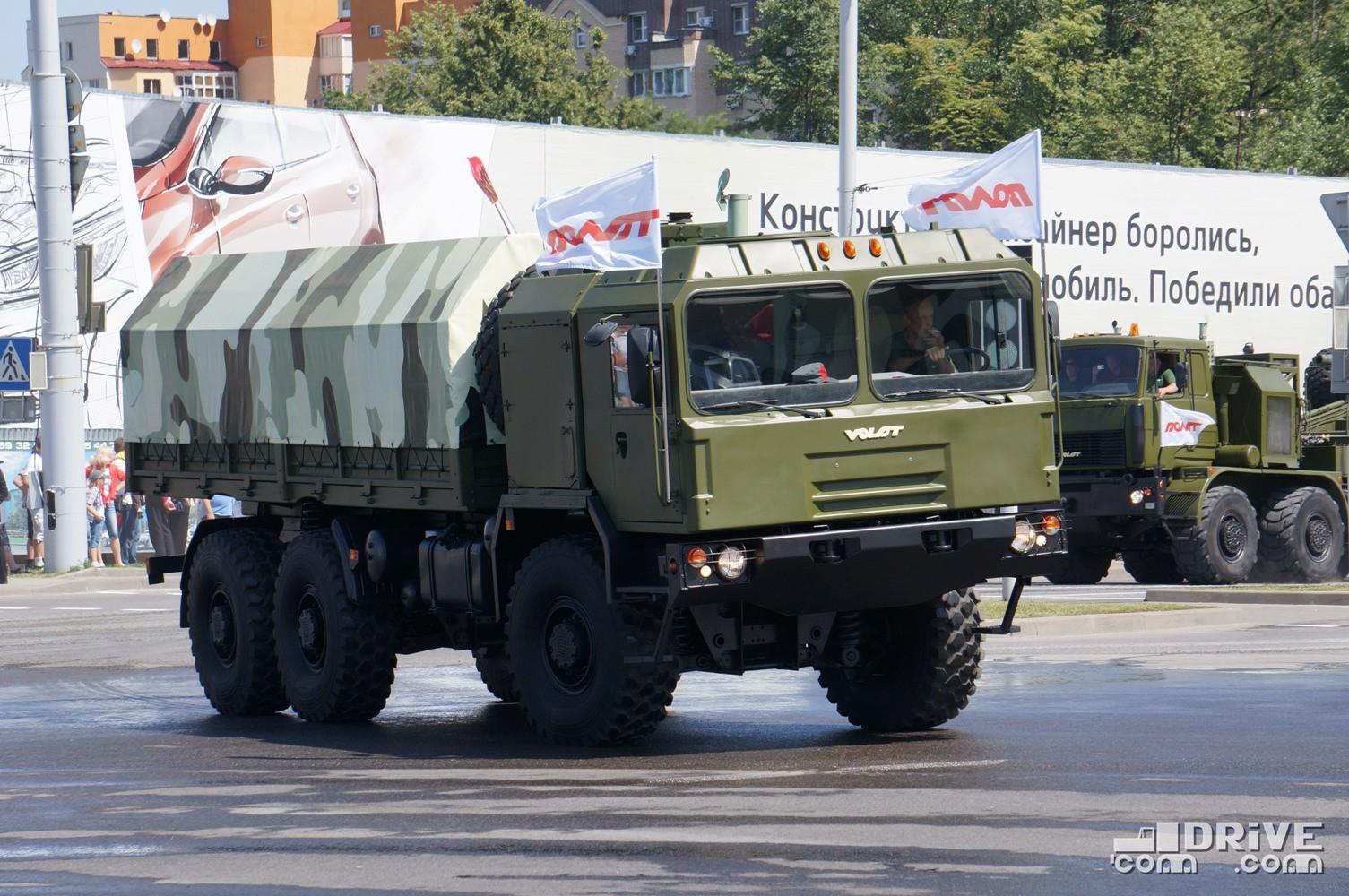 Бортовой МЗКТ 600100 на параде в День Независимости Республики Беларусь. 03/07/2013