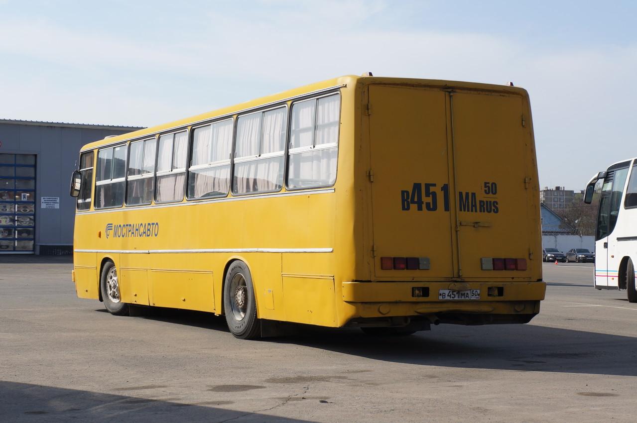 """В остальном автобус полностью сохранил """"родной"""" кузов"""