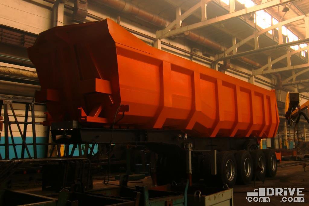 Самосвальный полуприцеп МАЗ-954700 с грузоподъемностью 55 000 кг