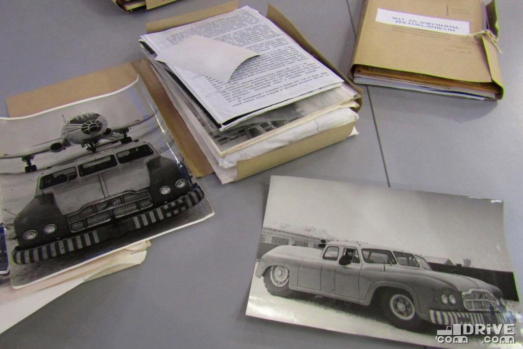 Хорошо известные в сети фотографии МАЗ-541, однако, оригиналы держать приятнее!