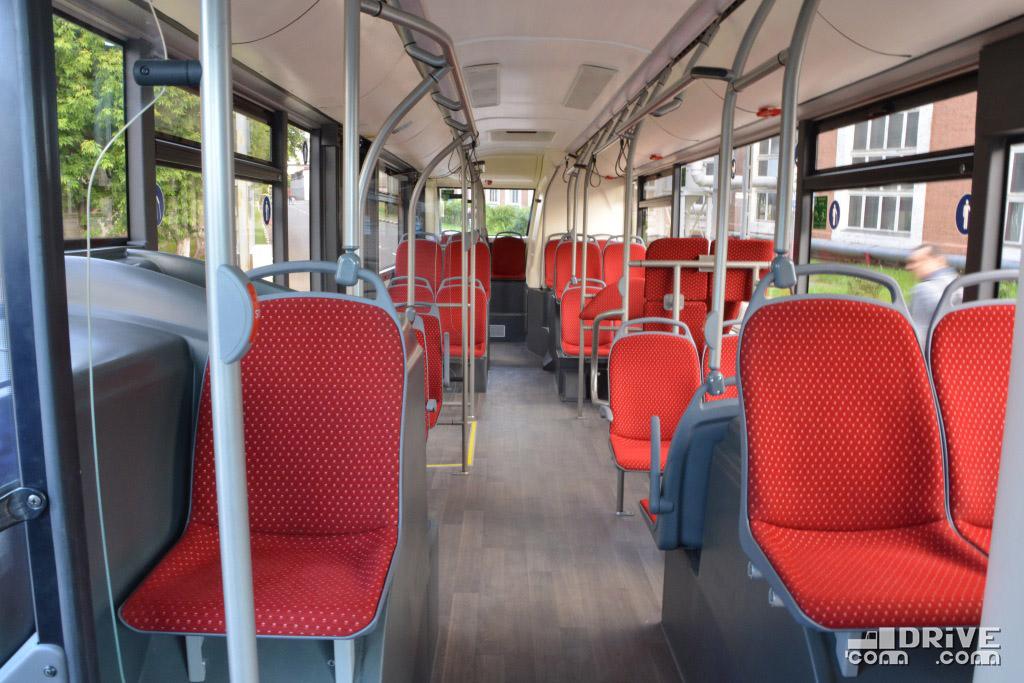 """Благодаря использованию """"полуторных"""" сидений ширина прохода в передней части салона более чем достаточна для свободного перемещения"""