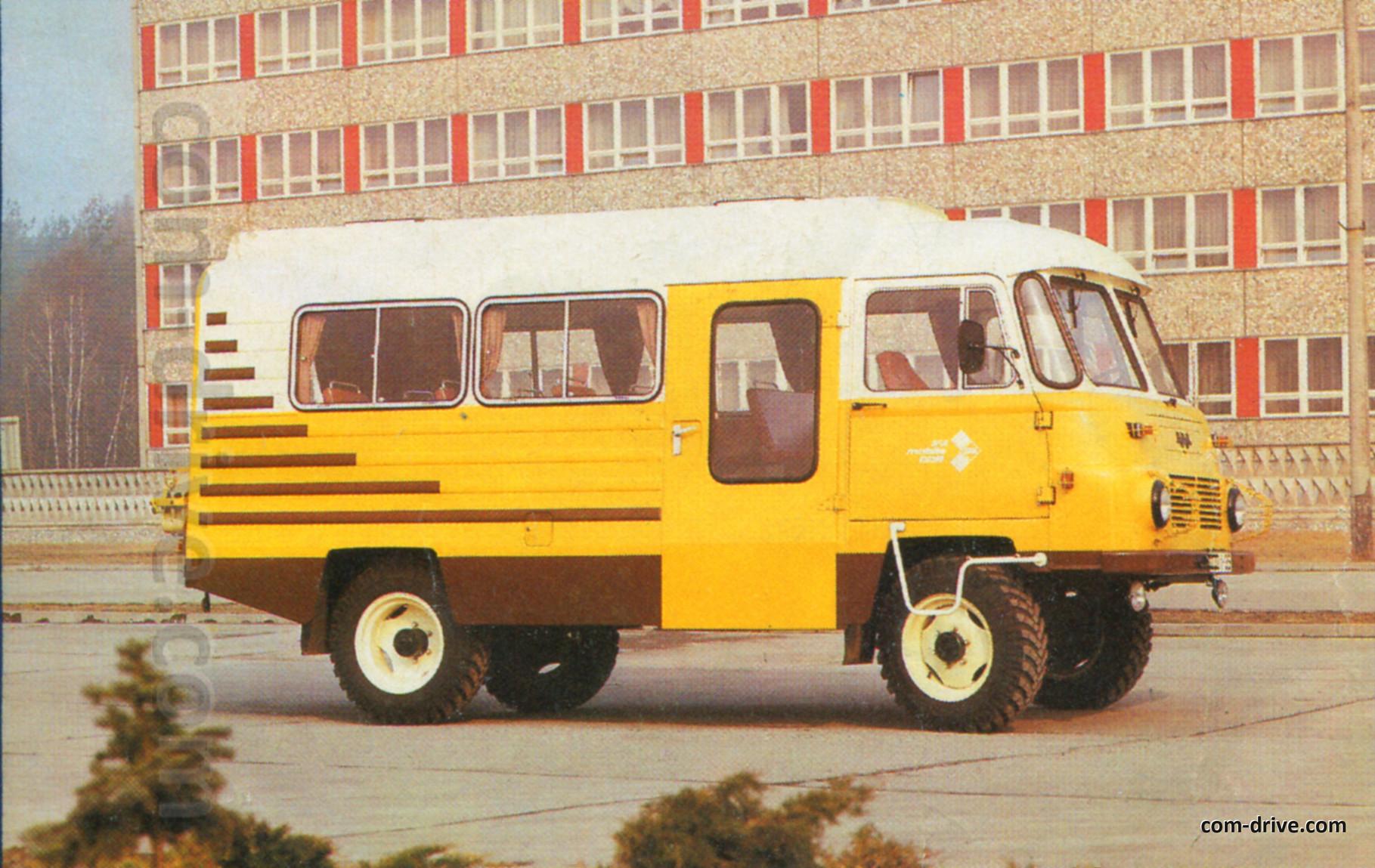 Кузов автобуса довольно прост и унифицирован с грузовой версией. Фото из архива Юрия Петрова