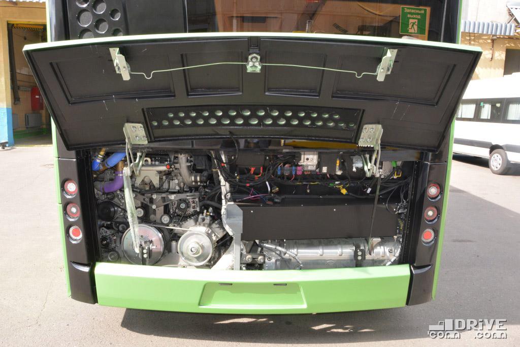 А многие доказывали, что вставить выхлопную систему в моторный отсек двигателя Евро-6  невозможно. Сказочники...