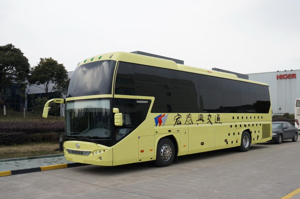 Спальный автобус Higer KLQ 6125DW. Очень популярный вид автобусов в Китае. Вся верхняя часть отдана под простецкого вида спальные места