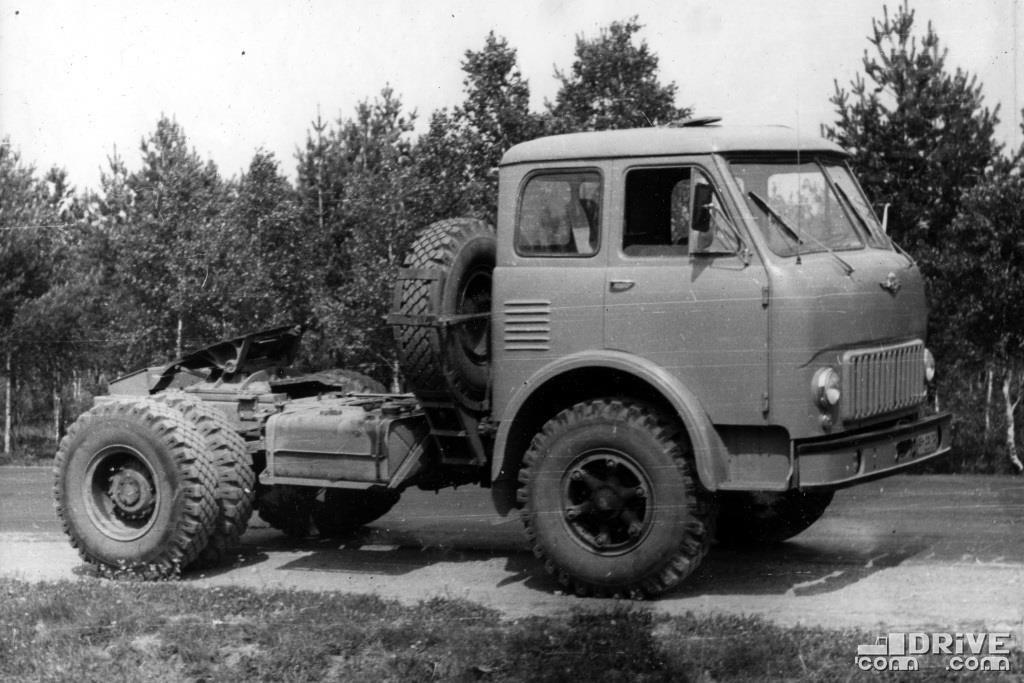 Седельный тягач МАЗ-504, нагрузка на седло 7700 кг.