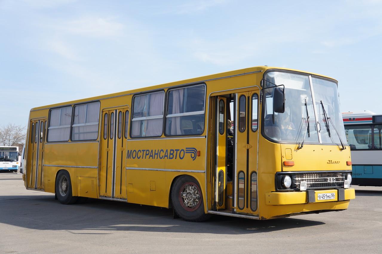 Все три двери автобуса исправно функционируют