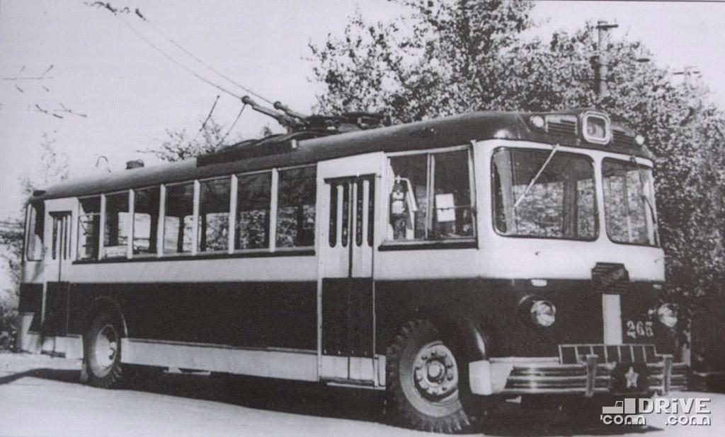 МТБ-82Д (1958 г.) - разработка Ленинградского троллейбусного завода
