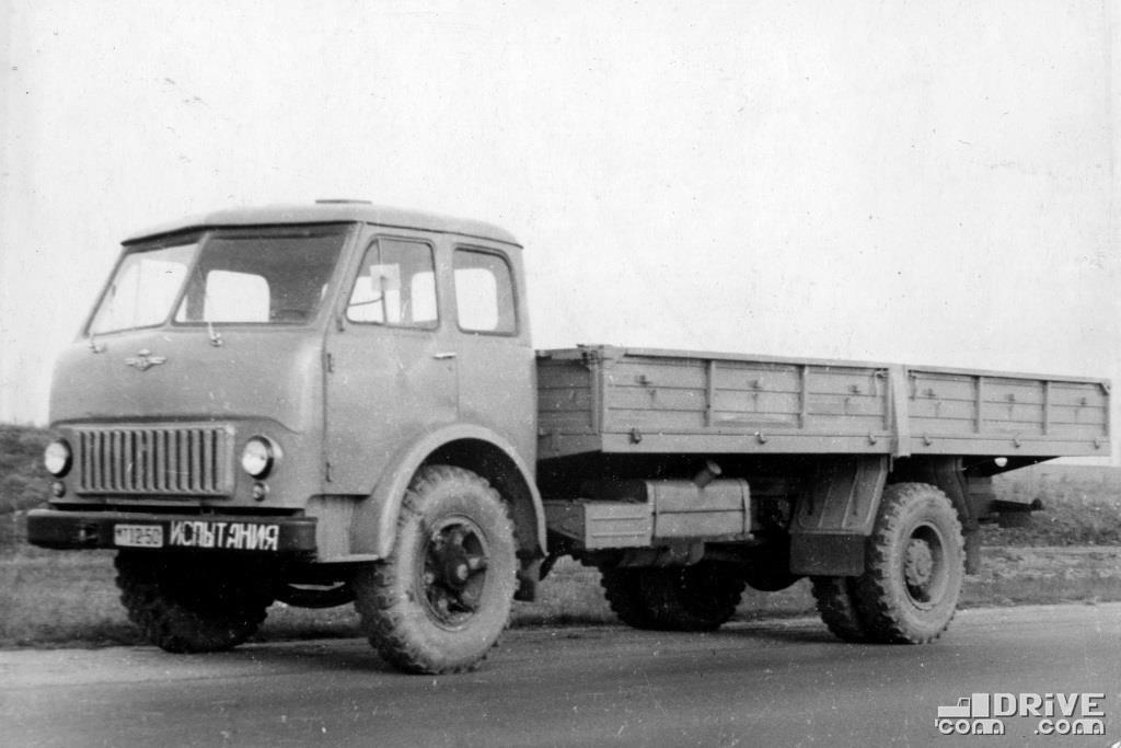 МАЗ-500Г с удлиненной колесной базой, грузоподъемность 8000 кг.