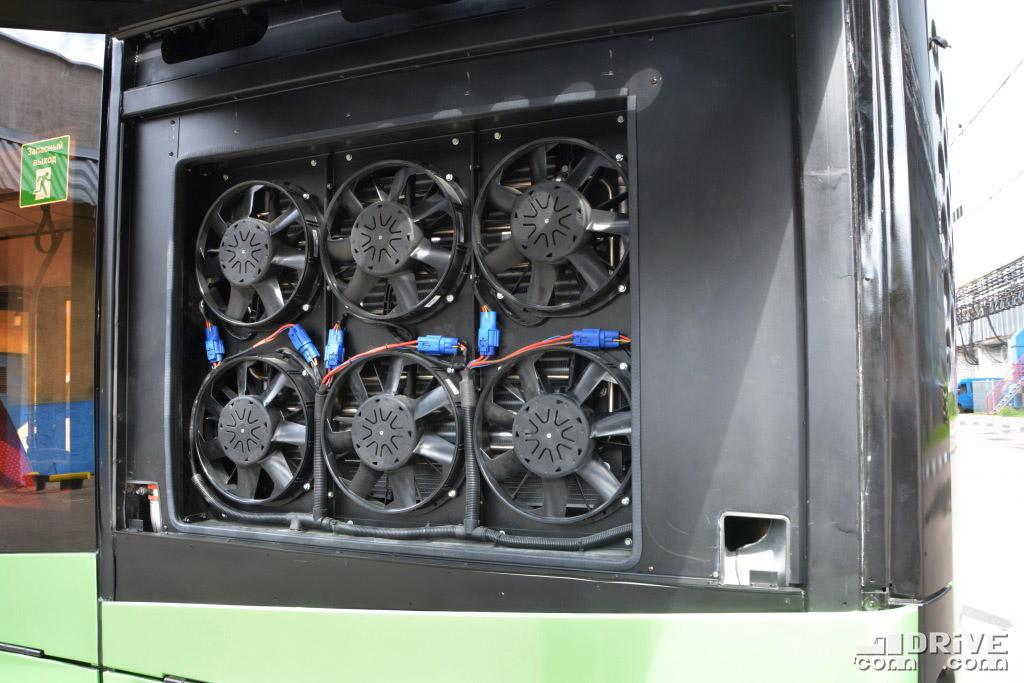 """Электровентиляторы - """"фишка"""" МАЗ-303. Прекрасное охлаждение, компактность, простота конструкции и возможность попарного отключения"""