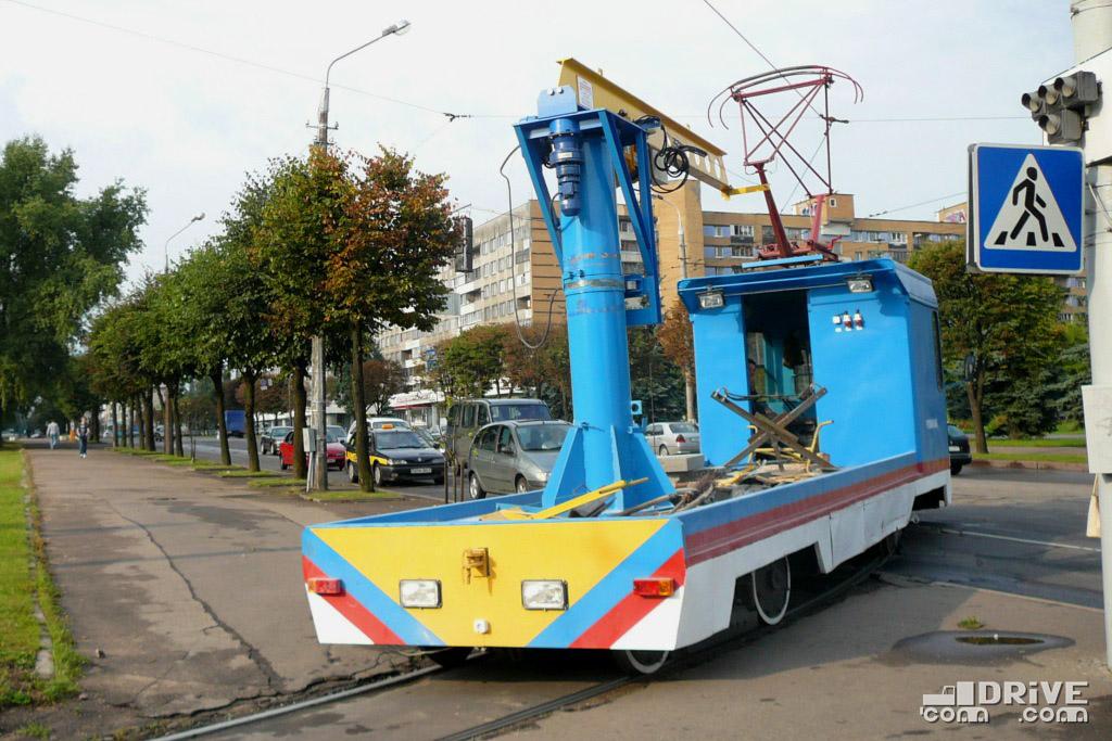 Увы, служить в музее вагону было не суждено. Уже к лету 2009 года он был переделан в грузовой, а к 2016 году - списан и утилизирован. Минск, Логойский тракт. 18/08/2009