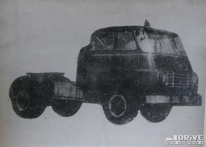 """Рисунок 63. Седельный тягач """"Д-705Н"""" выпускается автомобильным заводом """"Чепель"""" г. Будапешт и предназначается для транспортировки полуприцепов общим весом до 24000 кг"""