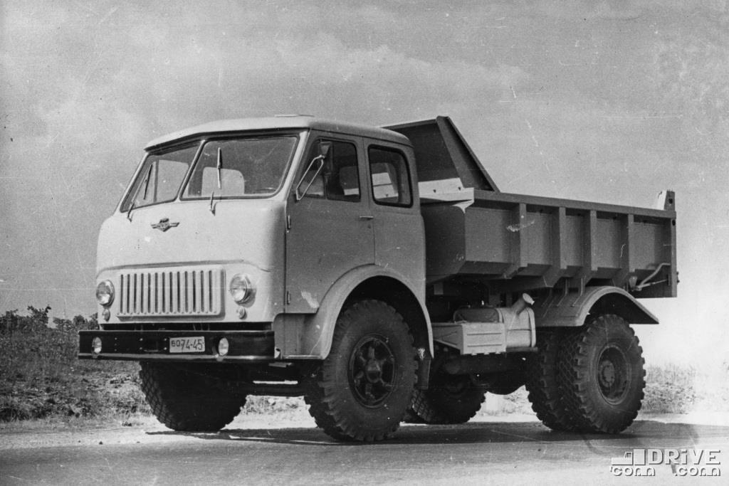 Самосвал МАЗ-503Г, грузоподъемность 8000 кг