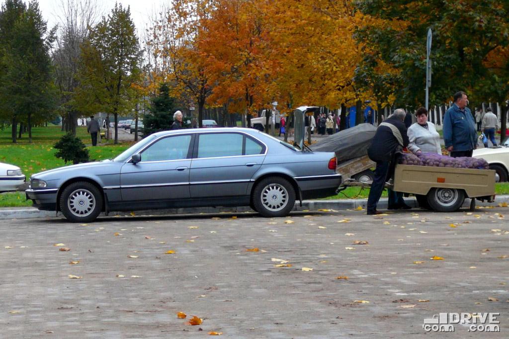 Привезти продавать картошку на рынок на BMW 7-серии? Легко!