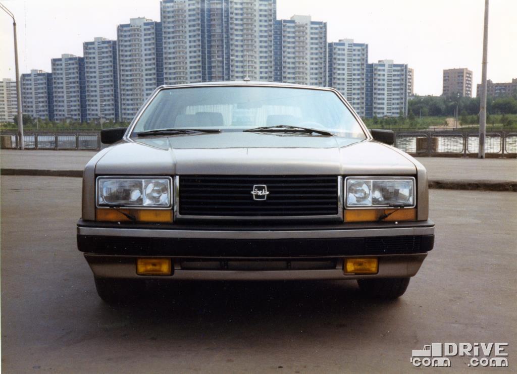 А фары на опытных образцах не шухры-мухры, а с прототипа Volvo 850