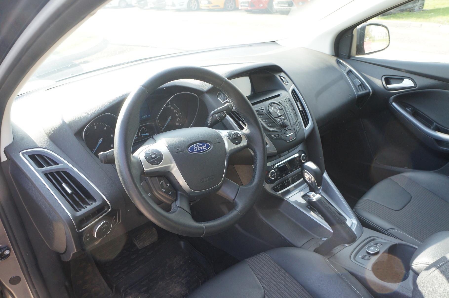 Интерьер Ford Focus интересен и запоминаем вне зависимости от типа кузова