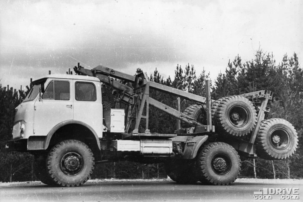 Лесовоз МАЗ-509,  с грузоподъемность 6000 кг
