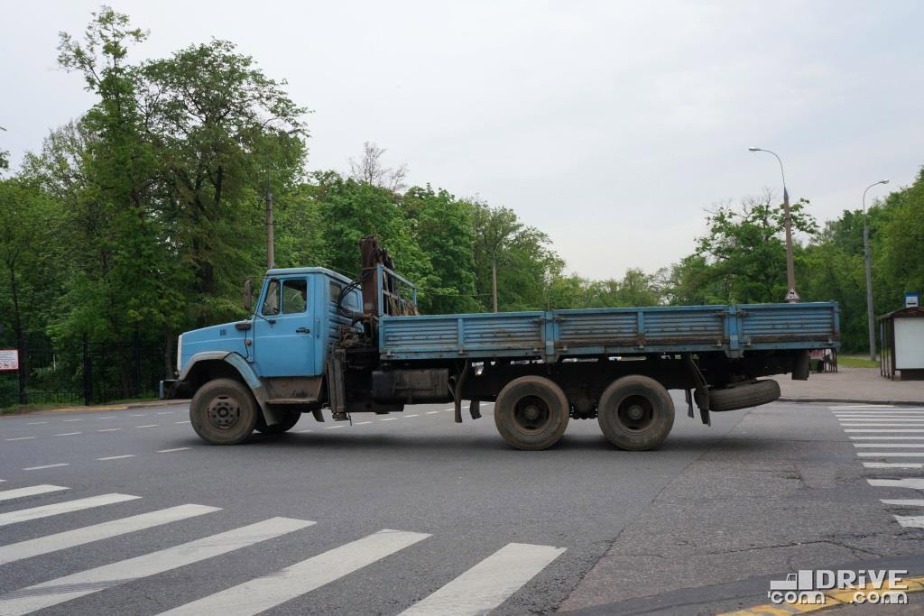 "ЗИЛ-133Г40 с платформой ""а-ля КАМАЗ-53212"" и КМУ"
