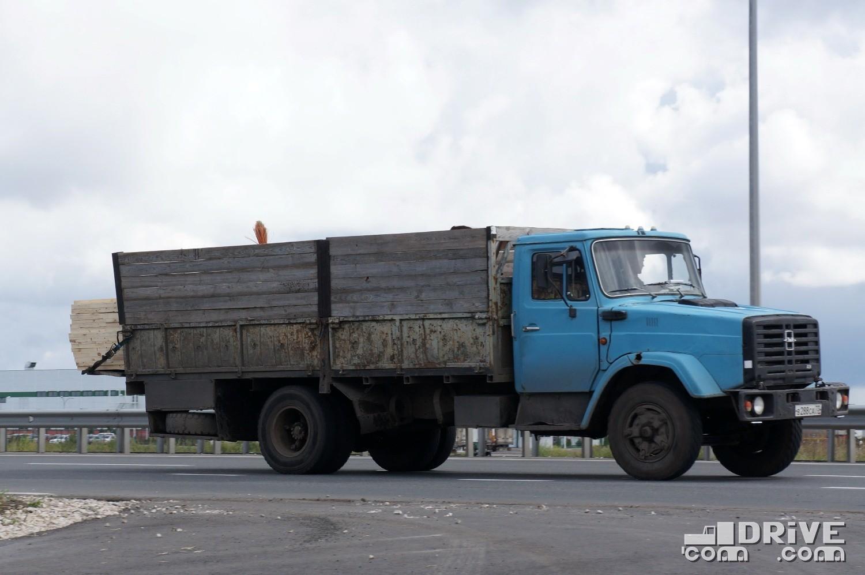 "ЗИЛ 4331 на ""камазовских"" колесных дисках"