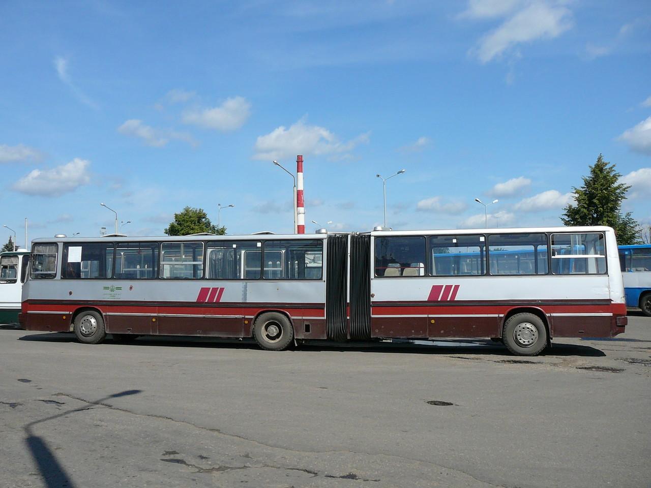 Накопительные площадки в автобусе отсутствуют