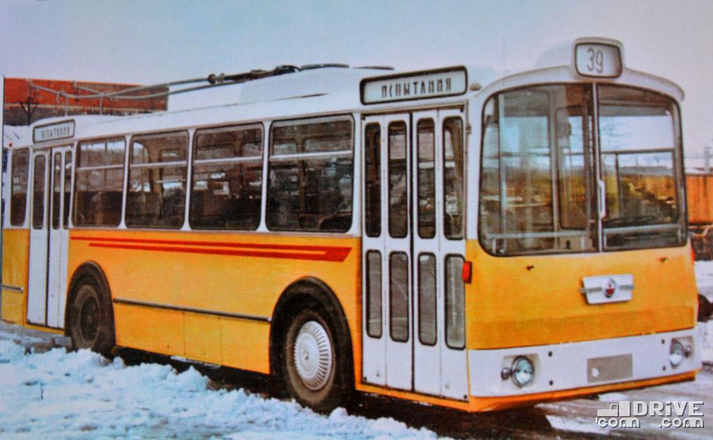 ЛАЗ-698Т (1966 г.) - разработка Головного Союзного конструкторского бюро по автобусам