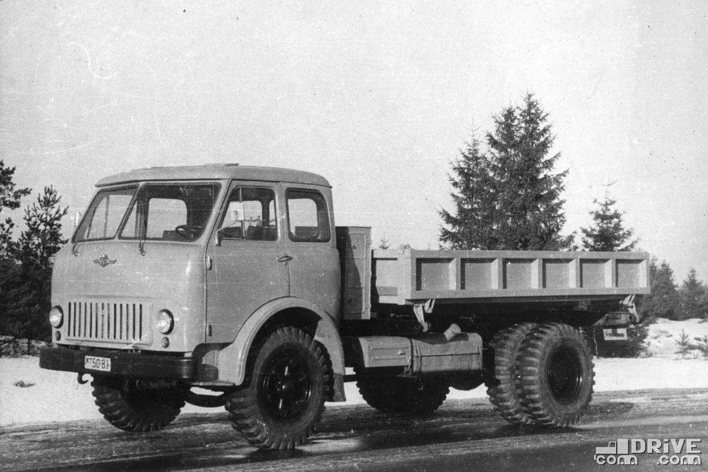 Самосвал МАЗ-511 с боковой разгрузкой,  грузоподъемность 8000 кг