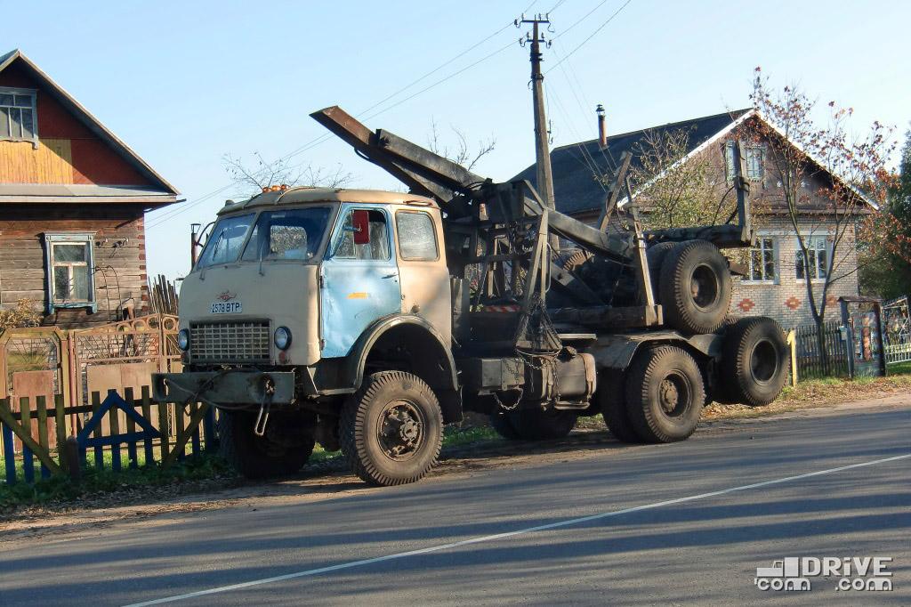 Лесовоз МАЗ-509А с прицепом-роспуском. Полоцк. 07/10/2010