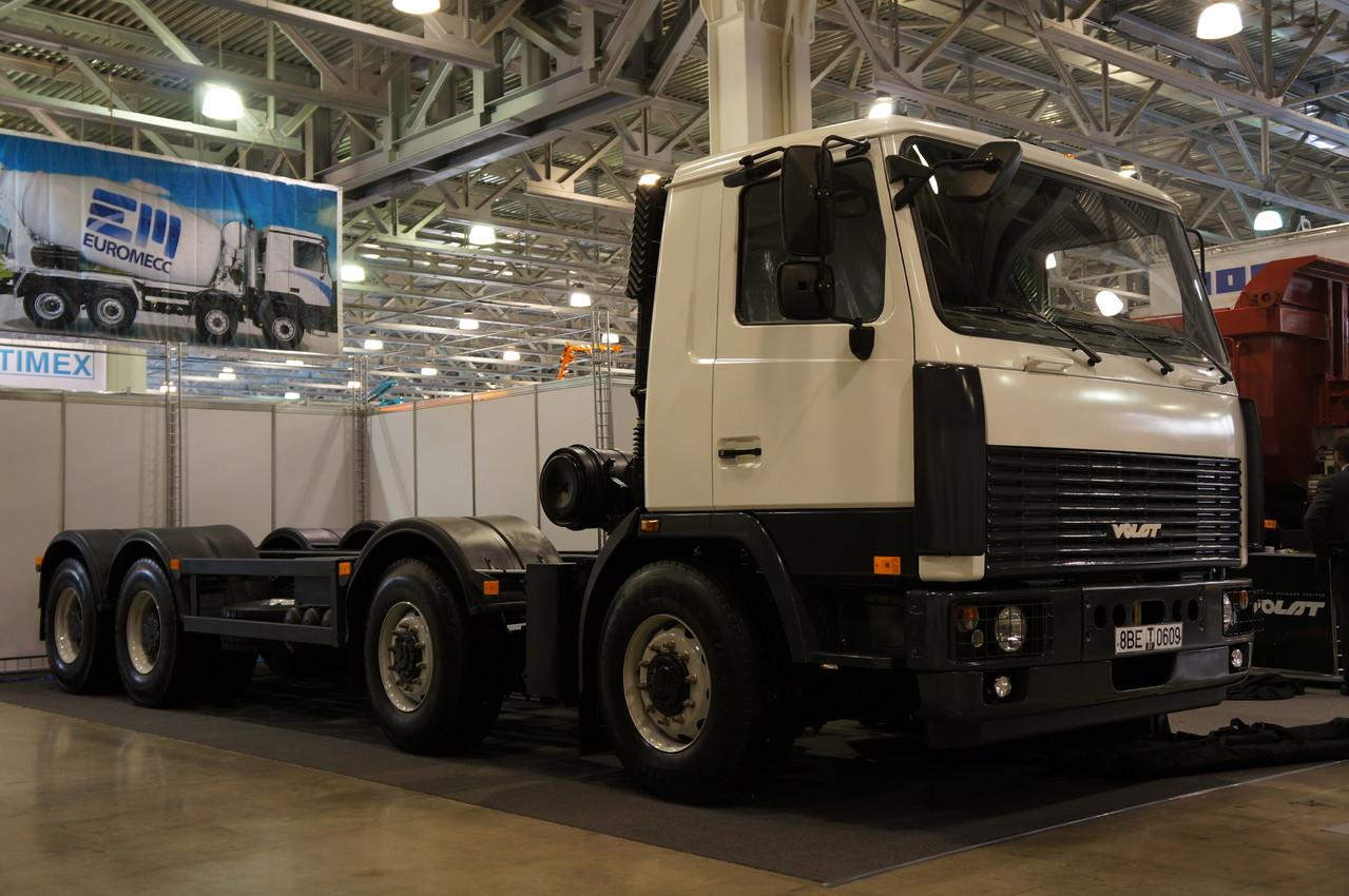 Шасси МЗКТ-750110 создано по заказу ОАО «ГАКЗ» «Галичанин»