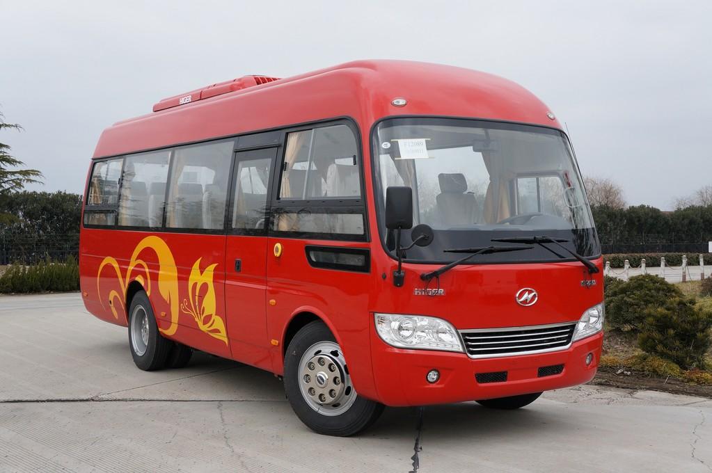 Автобус малого класса Higer KLQ 6759. 29-местная машина с откидными креслами и кондиционером