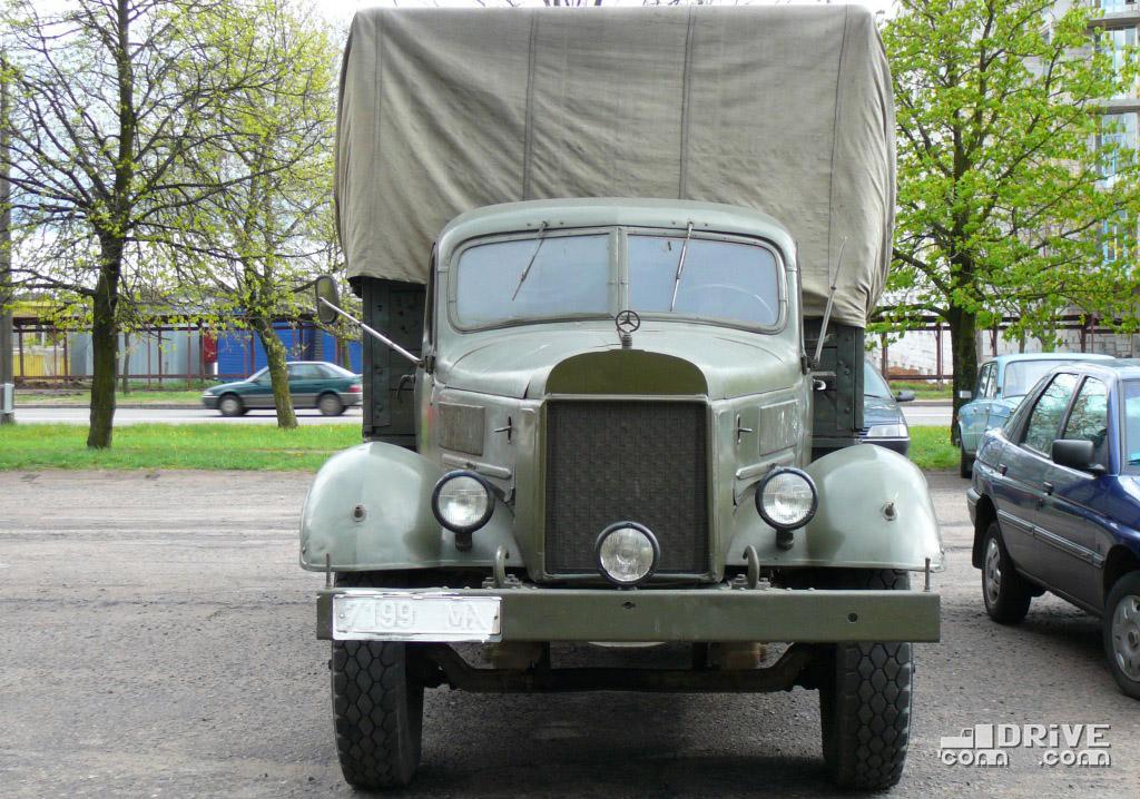 Mercedes-ЗИЛ или ЗИЛ-Benz? Для съемок фильма про войну подойдет любой вариант