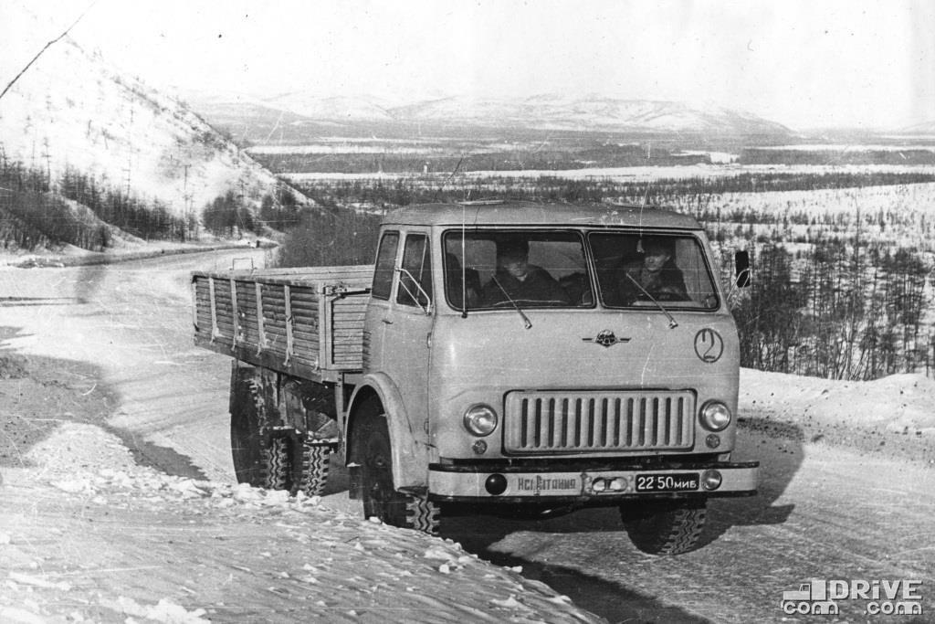 МАЗ-512 для районов Крайнего Севера, грузоподъемность 8000 кг.