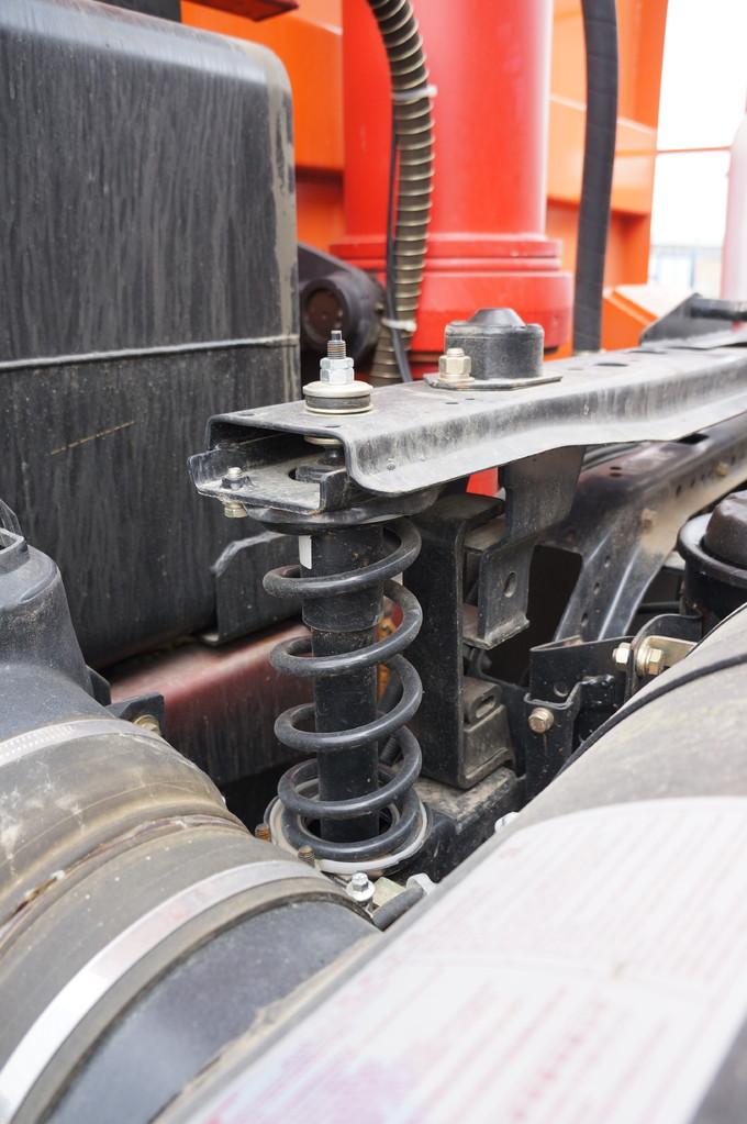 А это элементы задней подвески кабины