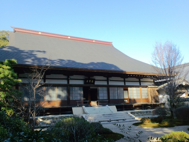 寺院・神社の汚れはビカンテックにお任せ!