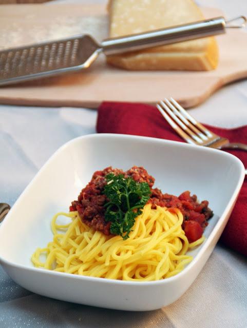 Bild: mentalLOVE Blogparade das beste Kochrezept zum Verlieben - Ninamanie - Spaghetti Bolognese