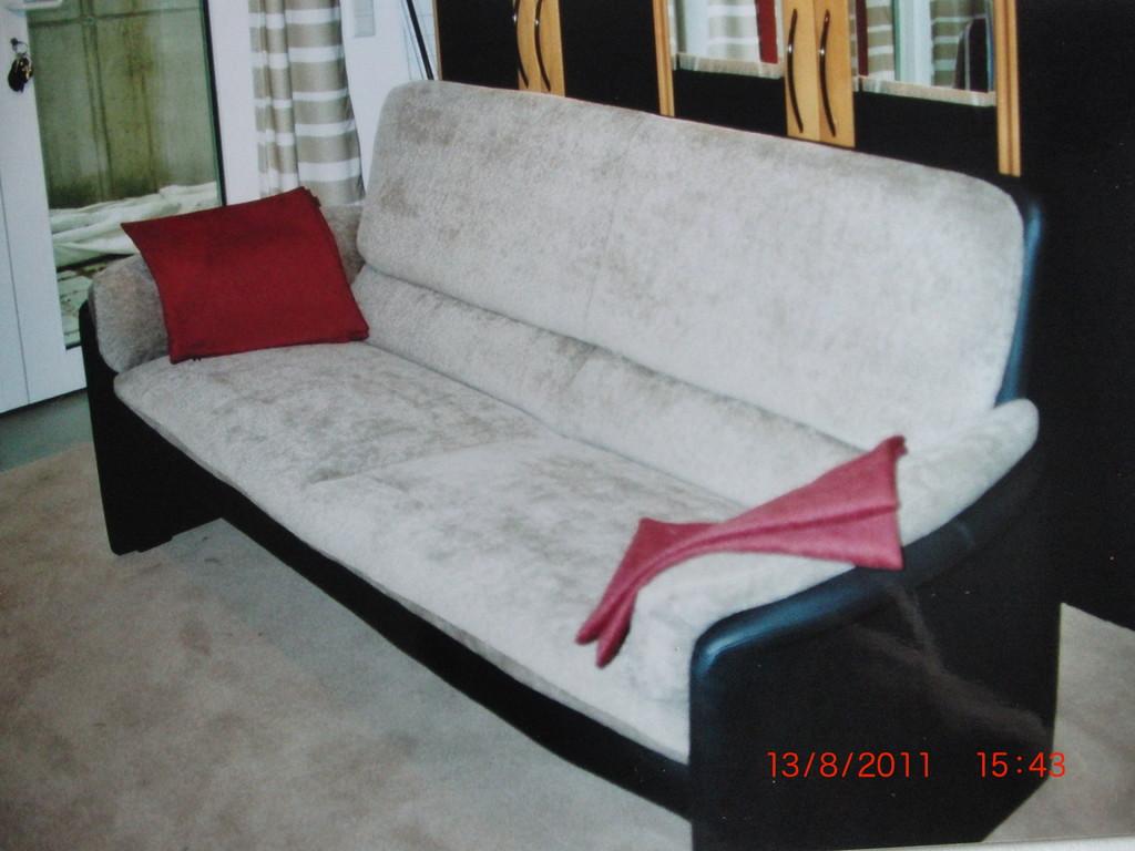 Sofa neu bezogen