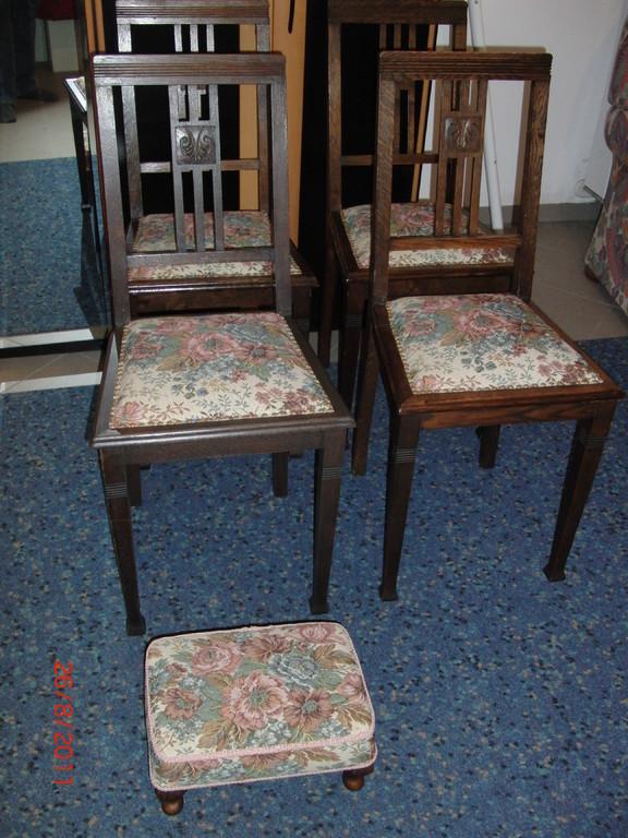 mit den passenden Stühlen