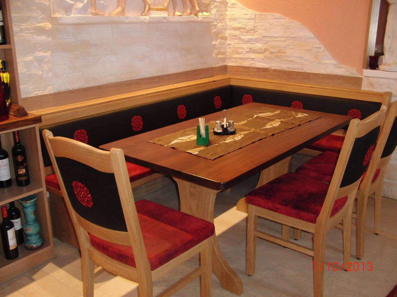 Hochwertiges Kunstleder mit Rose als Rücken in einer Gaststätte (Sonderanfertigung)