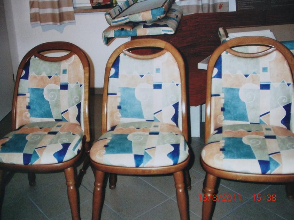 Stühle neu bezogen