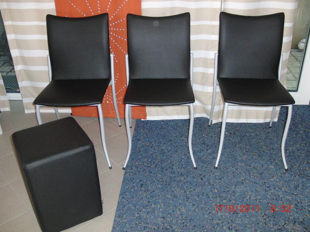 Stühle mit Kunstleder