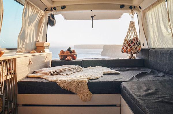 Auch der kleinste Raum kann in unzähligen Varianten ausgestaltet werden. Wir zeigen dir Inspirationsquellen und geben dir Tipps für den erfolgreichen Möbelbau.