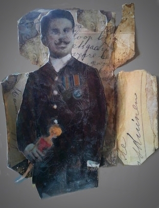 Officier met barbie. - oude foto's, oude tekst ,acrylverf en bijenwas in een uitgevouwen  theedoosje