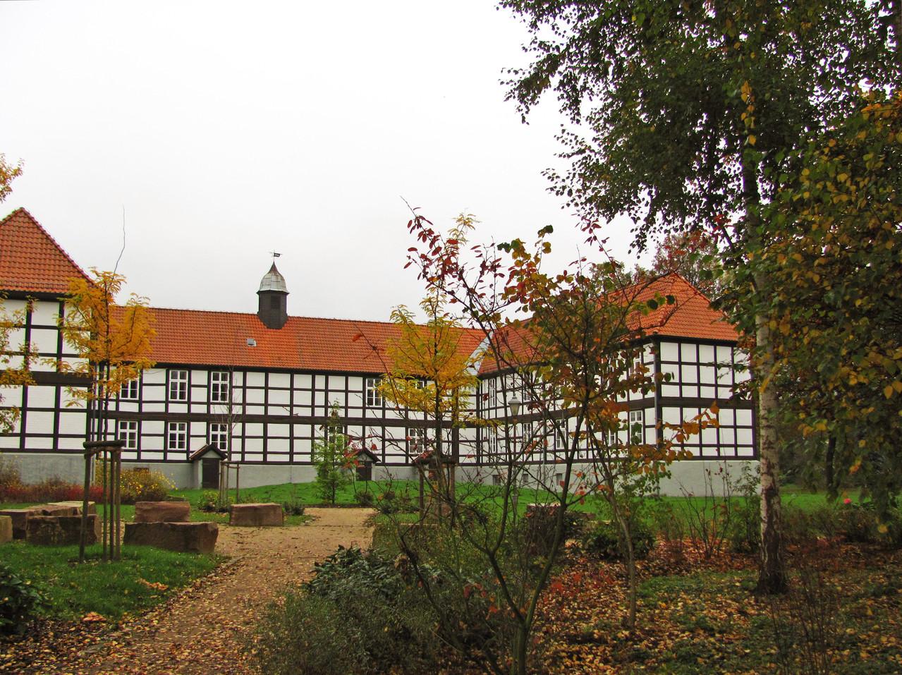 """Der Amtshof, unser """"Rathaus"""", von der Südseite"""